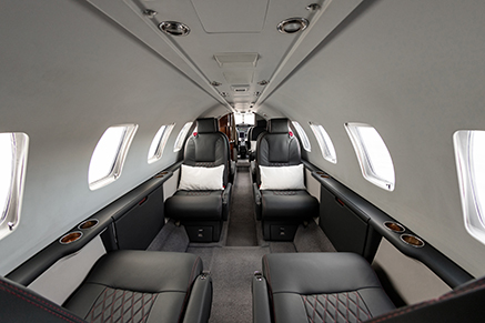 Vista general interior aeronave Initium